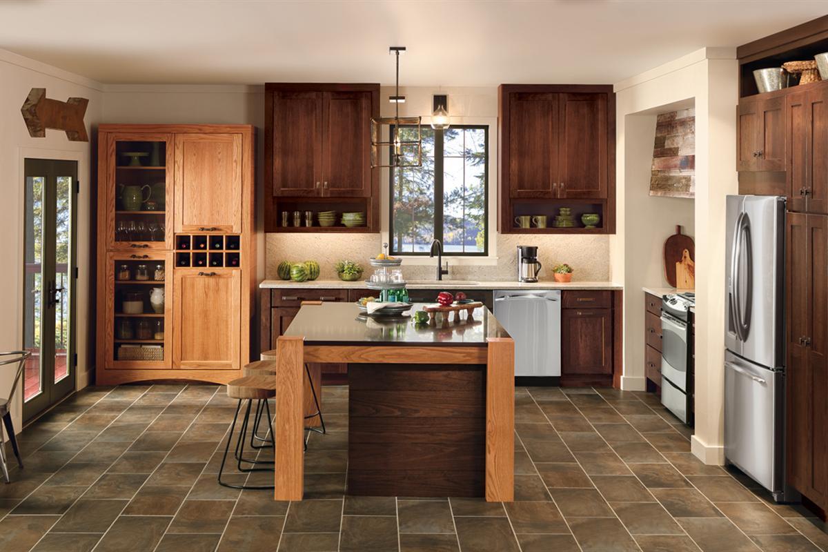 Merillat_Classic_Tolani_Oak_Kona_Amaretto_Kitchen_2